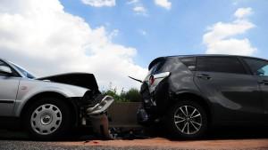 Eheleute können Autoversicherung des Partners kündigen