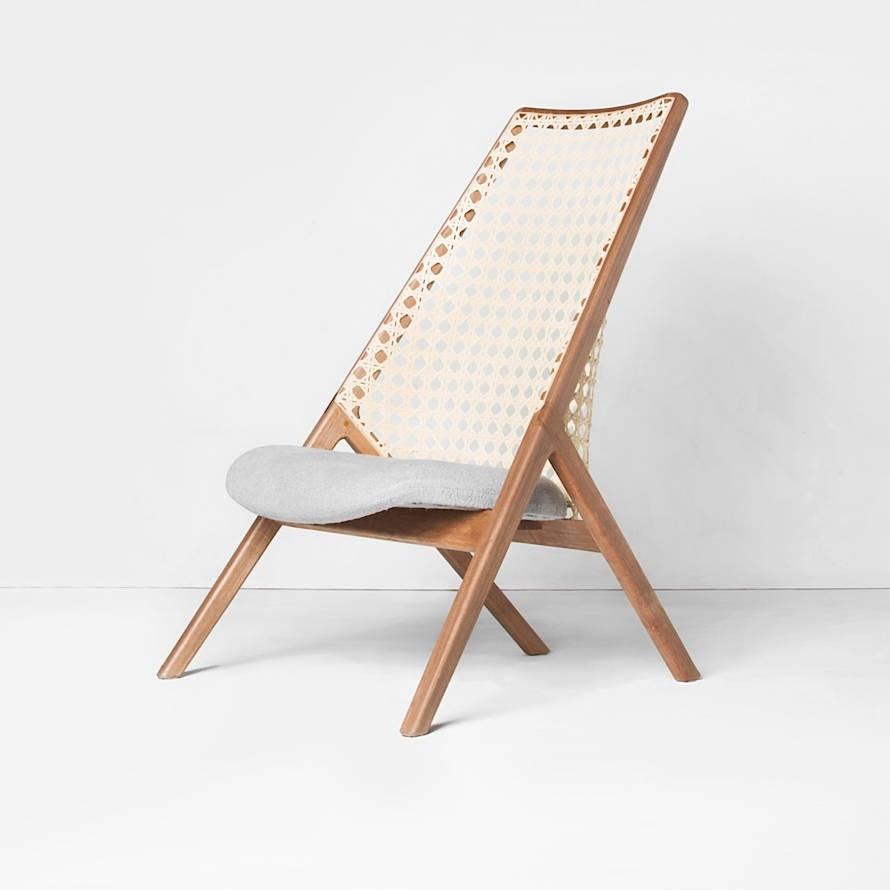 """Guilherme Wentz möchte in seinem """"Tela""""-Sessel das entspannende Gefühl eines langen Sommerurlaubs festhalten."""