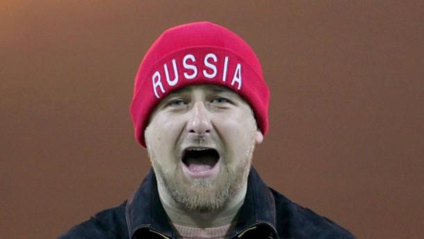 Tschetschenischer Präsident vermöbelt Sportminister im Boxring