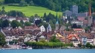 Die Schweizer Stadt Zug hat 29 000 Einwohner und 50 Start-ups, die mit Digitalwährungen ihr Glück machen wollen.