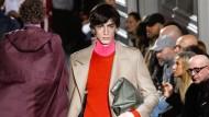 Männermode – wie hier von Valentino in Paris – ist nicht jederman(n)s Sache. Unser Autor stellt acht Highlights vor.