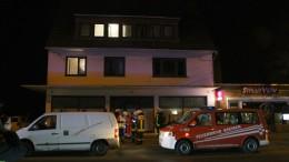 Acht Menschen beim Grillen im Keller schwerst verletzt