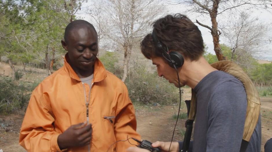 Nkamani (links) und Preuss bei der Arbeit. Oft stellte sich Preuss die Frage: Eingreifen oder nicht?