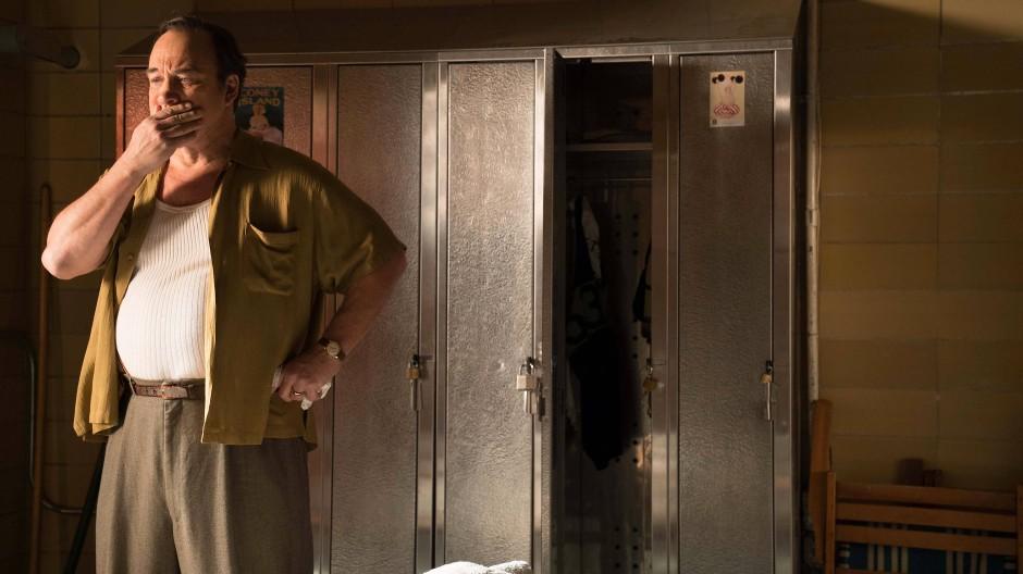 "Leidgeprüft: Jim Belushi als Humpty in ""Wonder Wheel"""