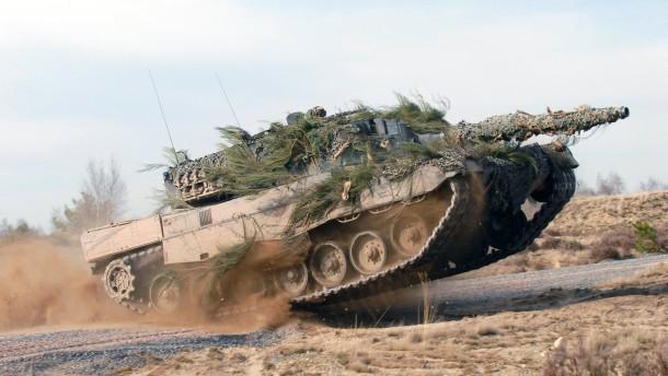 Opposition kritisiert Panzergeschäft mit Riad