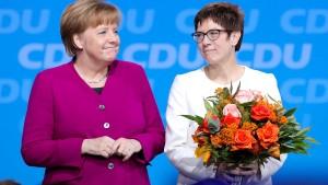Merkels mysteriöses Lächeln