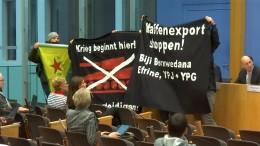 Regierungspressekonferenz in Berlin gestürmt