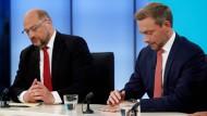 Ähnliche Spuren: SPD-Chef Schulz (SPD) und FDP-Chef Lindner am Wahlabend im Fernsehen