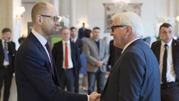 Steinmeier fordert Einhaltung des Minsker Abkommens