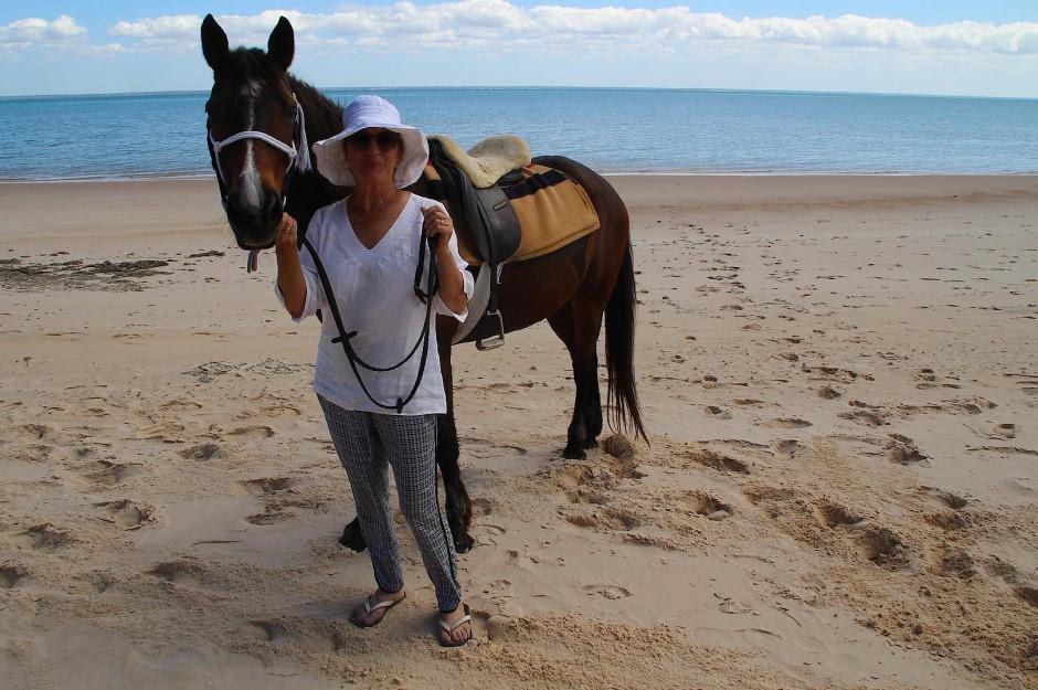 Mandy Retzlaff und Princess, eines der Pferde mit denen sie aus Zimbabwe geflohen ist.