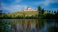 Die Kirche auf dem grünen Hügel: Santini-Aichels Meisterwerk ist heute als Weltkulturerbe anerkannt.