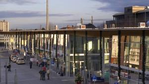 Mitfahrt verweigert: Jugendliche schlagen Busfahrer