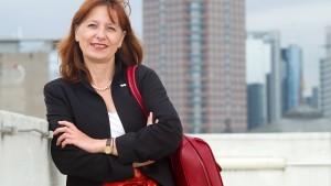 """""""Auch im reichen Frankfurt verdienen Frauen weniger"""""""