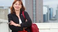 """""""Die Lücke, die es zwischen den Gehältern der Männer und der Frauen gibt, hat sich 2017 nicht verändert"""": Claudia Plenert, Vorsitzende von Business and Professional Women Frankfurt"""