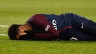 Was ist mit Neymar los? Der Star aus Paris verletzte sich.