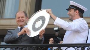 Scholz träumt von HSV-Meisterfeier im Rathaus