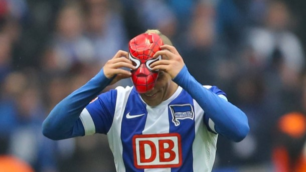 """Spiderman"" stoppt Schalke"