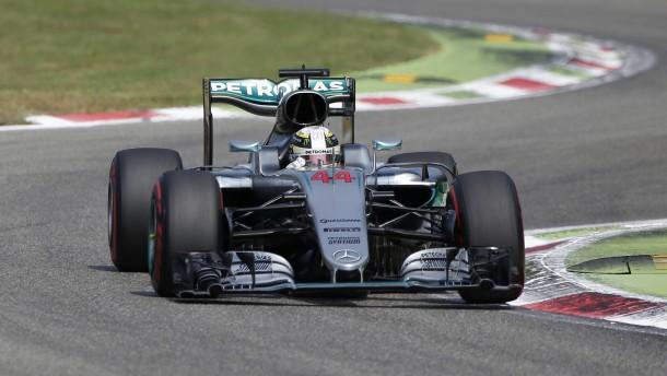 Hamilton nimmt Rosberg eine halbe Sekunde ab