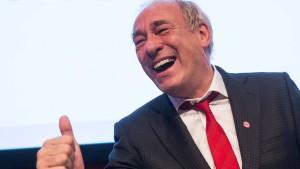 Fischer Ehrenmitglied der Eintracht-Fans im Bundestag