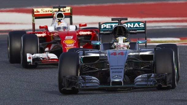 Ferrari rückt Silberpfeilen näher