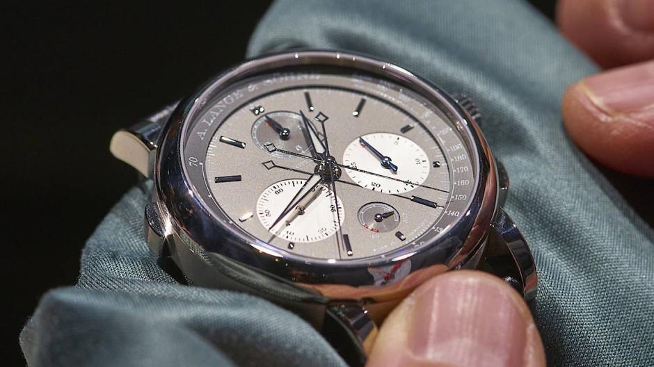 Mit dem Chronographen Triple Split von A. Lange & Söhne lassen sich Zwischenzeiten über zwöf Stunden stoppen.
