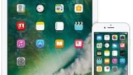 Das neue Betriebssystem iOS10 auf einem iPad und einem iPhone: Mit dem Software-Update werden Nutzer weniger innerhalb verschiedener Apps wechseln müssen, weil sich innerhalb der Anwendungen verschiedene Zusätze installieren lassen.