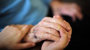 Demenzkranke sollen bessere Pflege bekommen