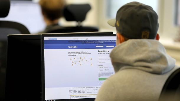 Amazon und Facebook sollen ältere Bewerber diskriminiert haben