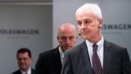 Matthias Müller übernahm die Führung von Volkswagen infolge des Abgas-Skandals im September 2015.
