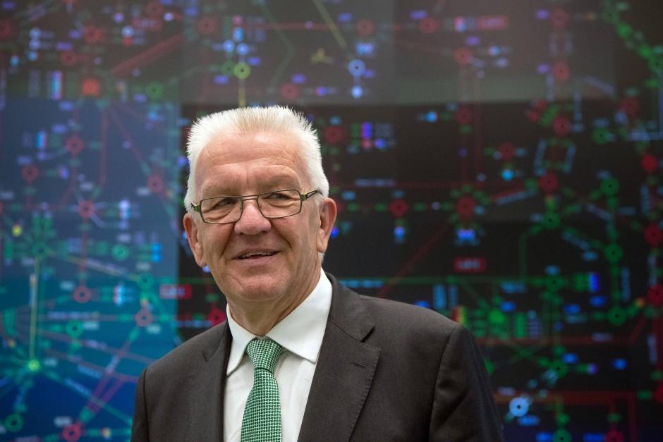 Zeigt sich als Freund der Innovation: Baden-Württembergs Ministerpräsident Kretschmann. Trotzdem äußert der Grünen-Politiker auch Bedenken.